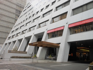 ホテル日航大阪玄関縮小